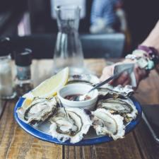 Una vita passata a prenotare ristoranti: mangio pesce, spendo poco